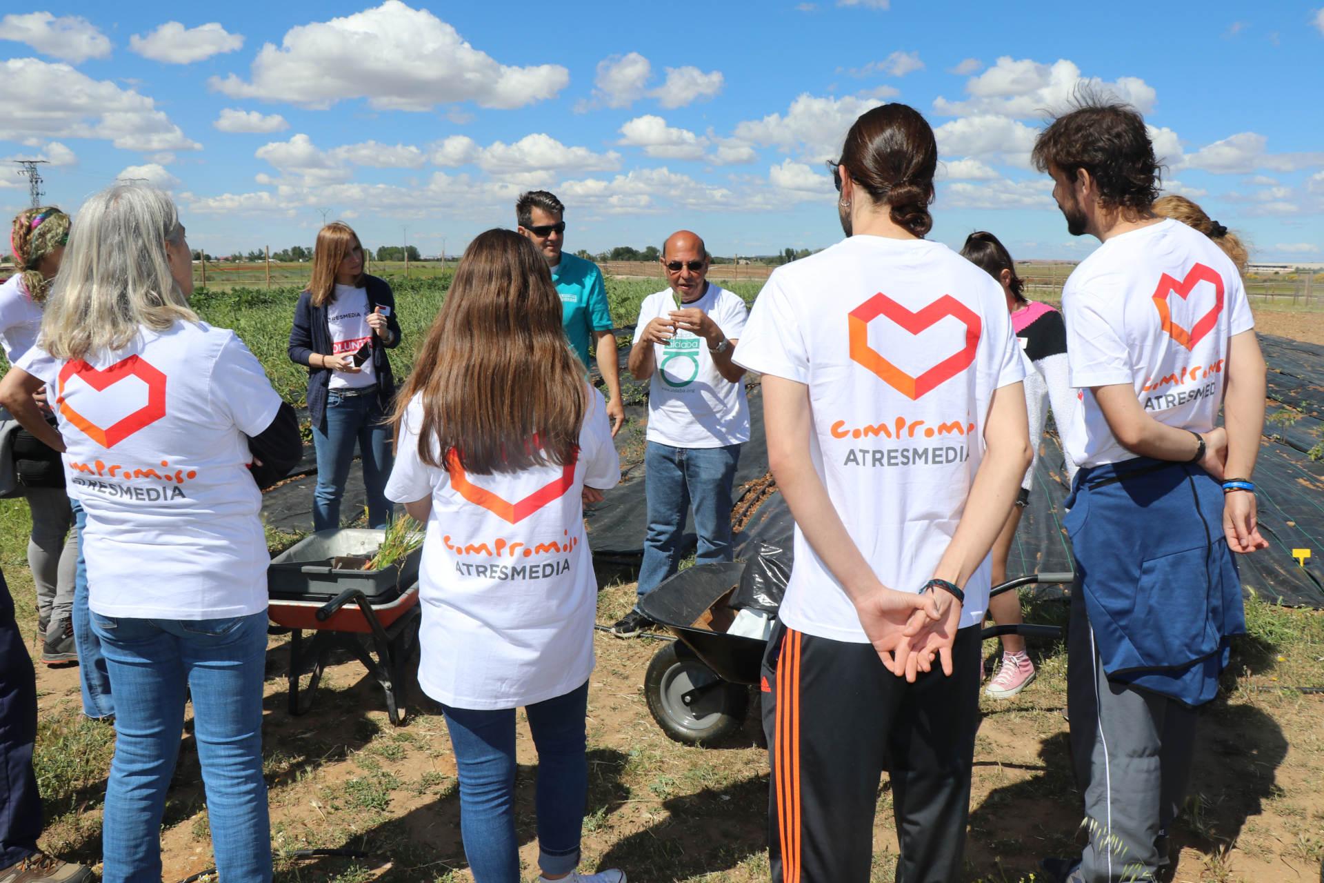 voluntarios atresmedia con fundacion aldaba