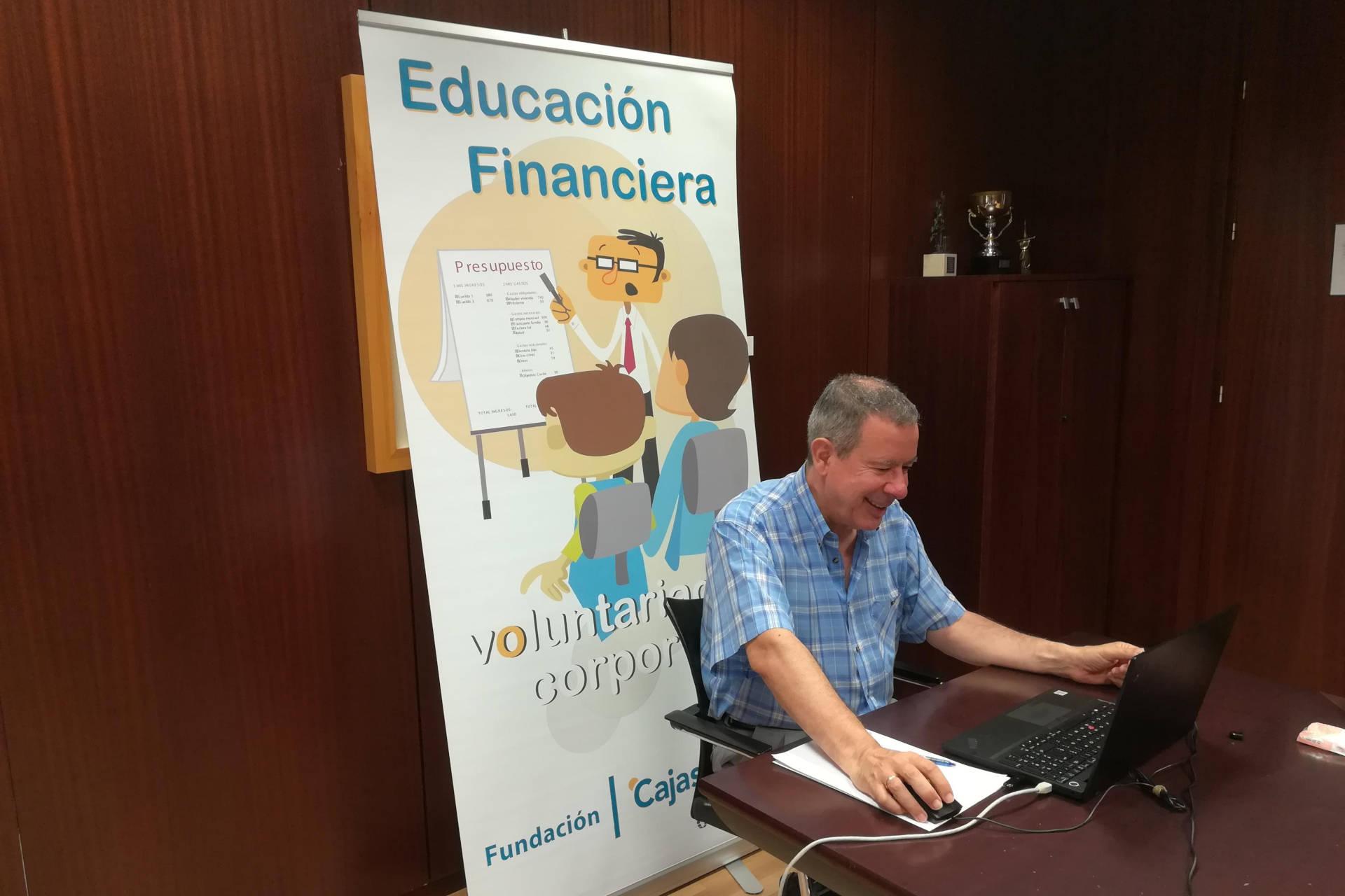 formacion virtual educacion financiera cajasol a lanzaderas empleo fundacion santa maria la real voluntariado corporativo