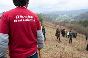 voluntarios EDP plantan arboles en 2020 voluntariado corporativo voluntare